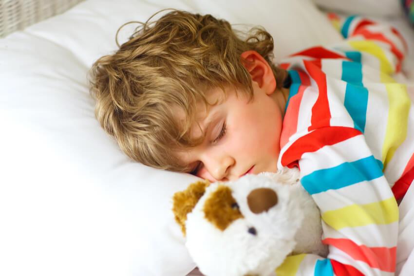 Gute Schlafvoraussetzungen für Kleinkinder