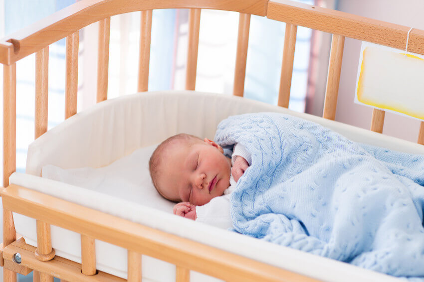 Co-Sleeping mit dem Beistellbett